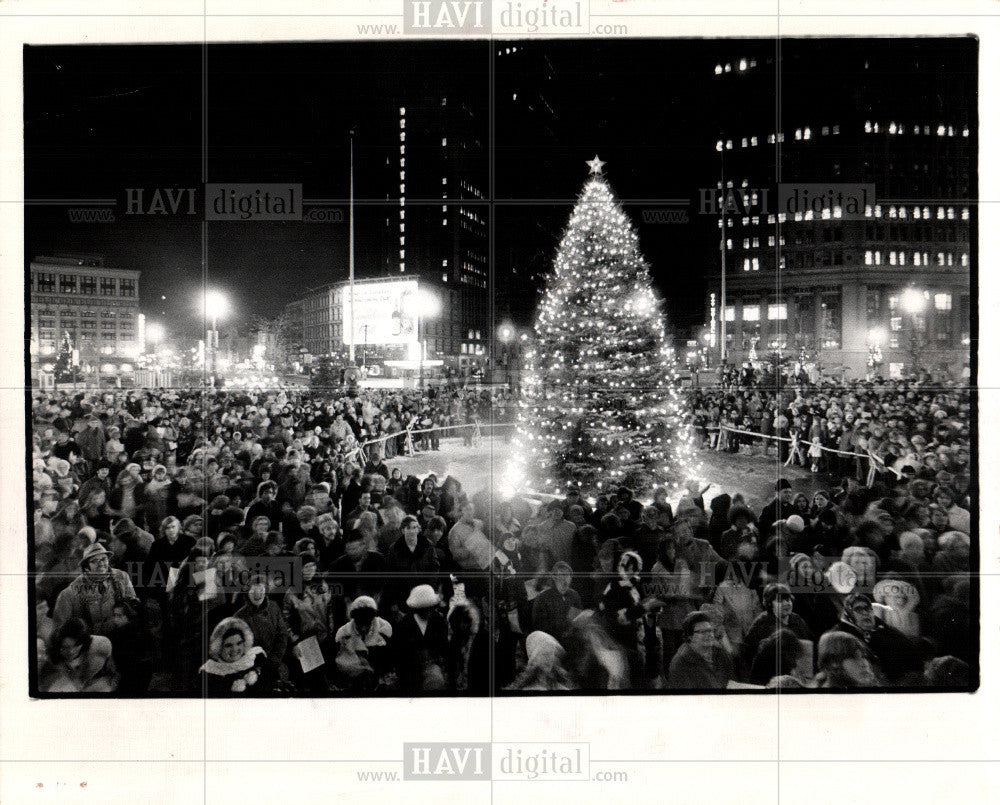1972 Press Photo CHRISTMAS CAROL KENNEDY SQUARE - Historic Images