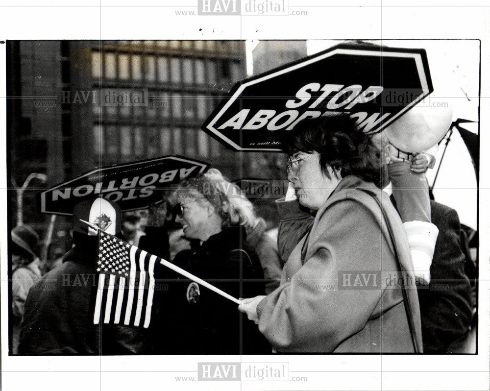 1991 Press Photo Abortion protests Kennedy Square 1994 - Historic Images