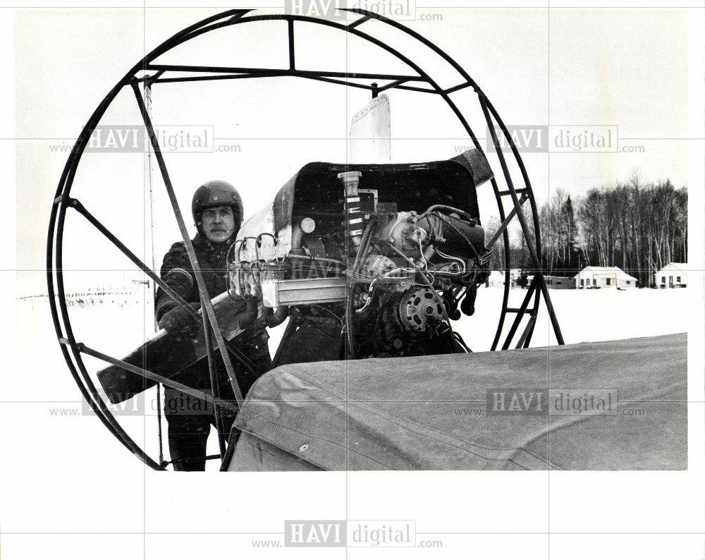 1979 Press Photo flat-bottomed vessel - Historic Images