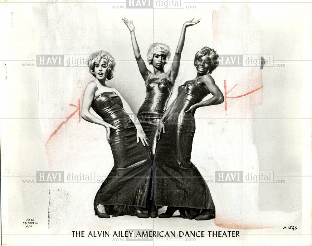 1971 Press Photo THE ALVIN AILEY AMERICAN DANCE THEATER - Historic Images