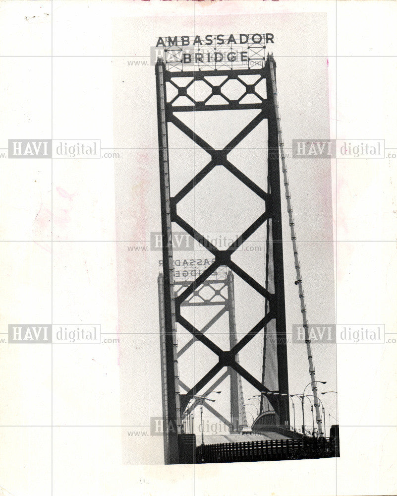 1977 Press Photo Ambassador Bridge - Historic Images