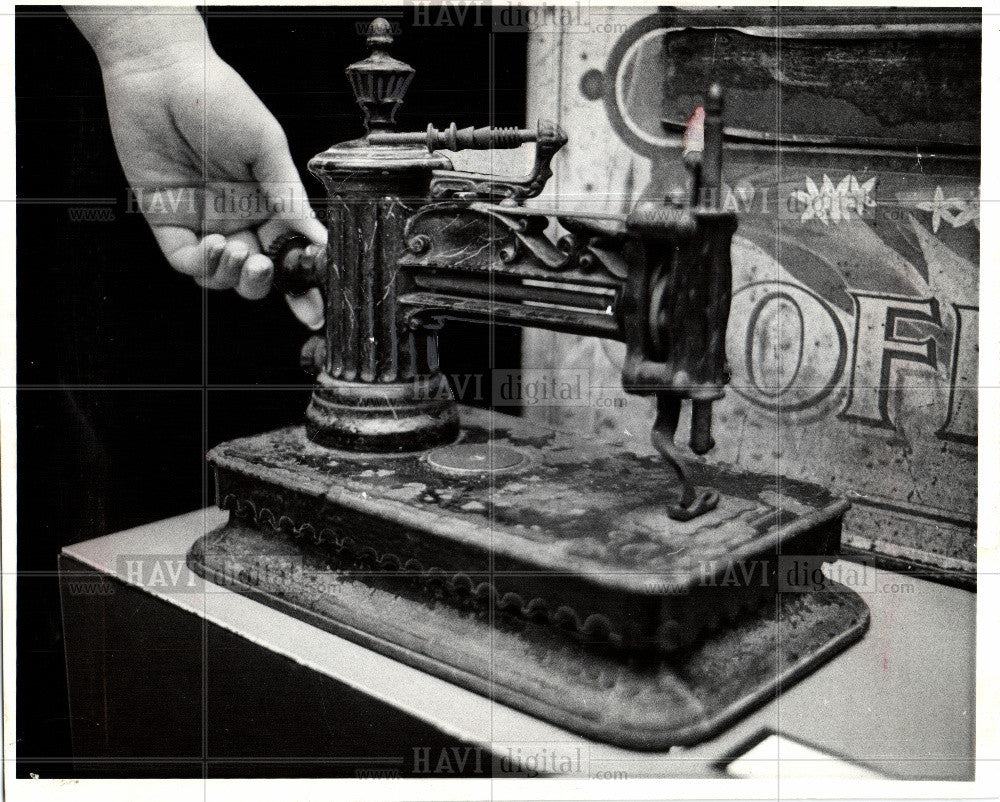 1974 Press Photo 1849 sewing machine shaw clarke - Historic Images