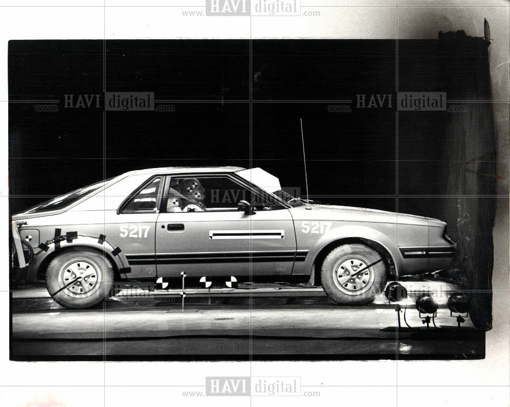 1983 Press Photo Automobile Safety Research - Historic Images