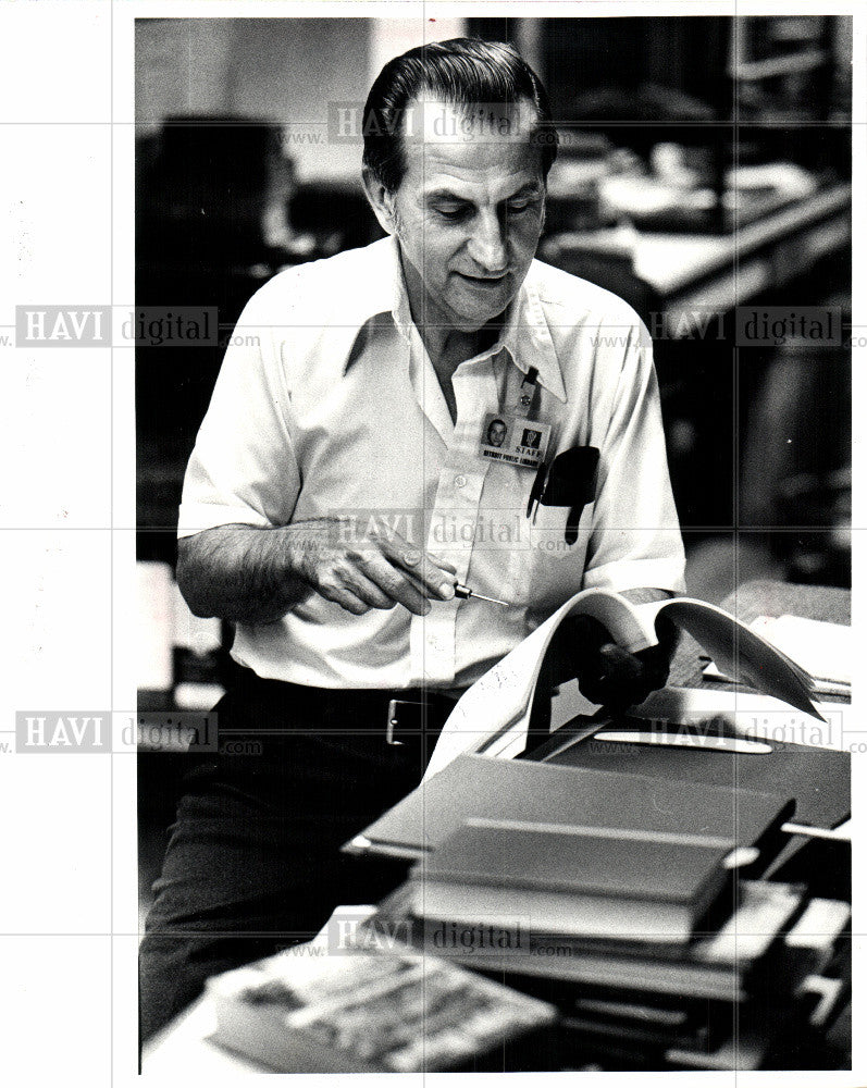 1981 Press Photo Books - Historic Images