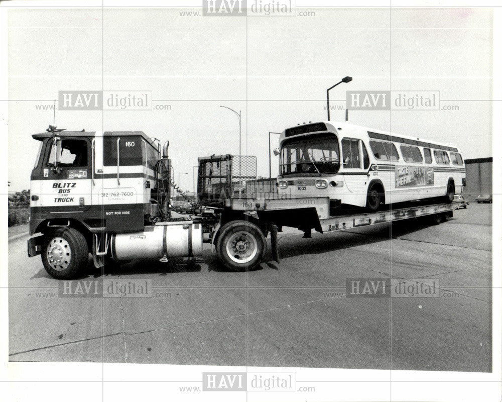 1985 Press Photo Detroit bus DOT Blitz Body co. truck - Historic Images