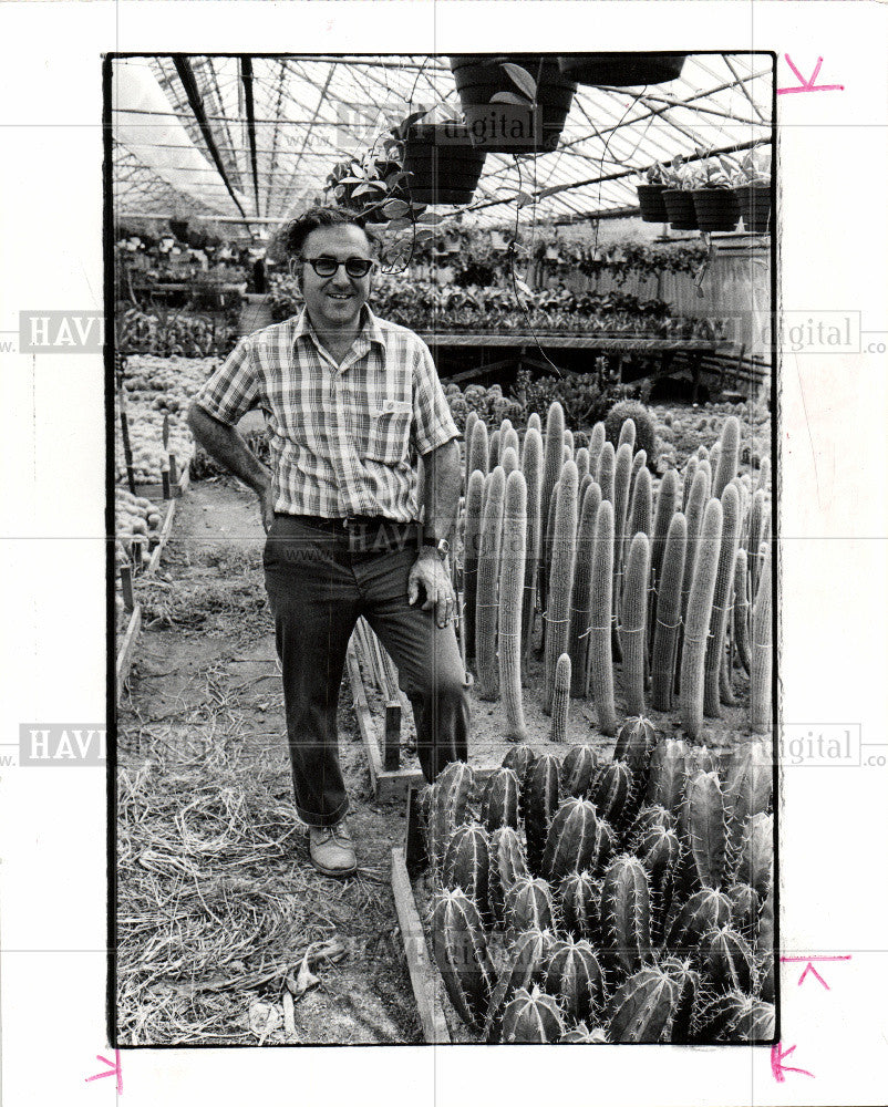 1975 Press Photo Cactus Joe Colasanti Ontario - Historic Images