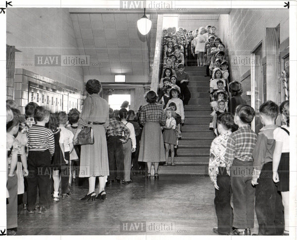 1950 Press Photo Alert School System - Historic Images