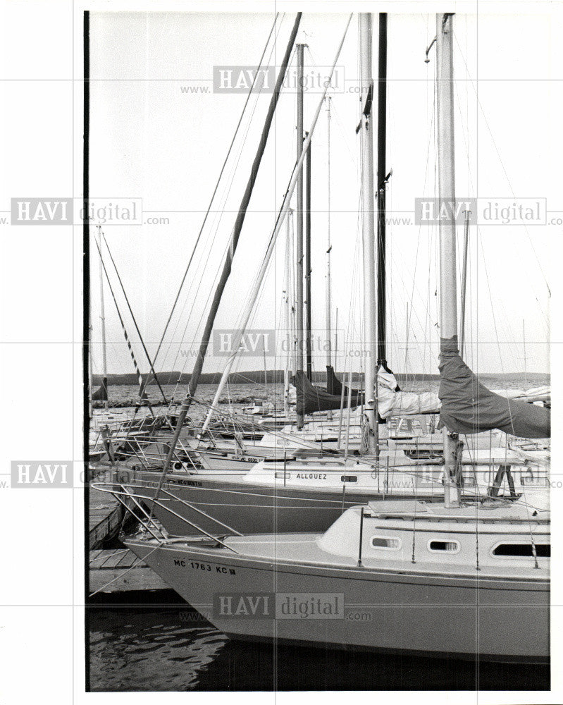 1988 Press Photo Charlevoia boats Michigan 1988 - Historic Images