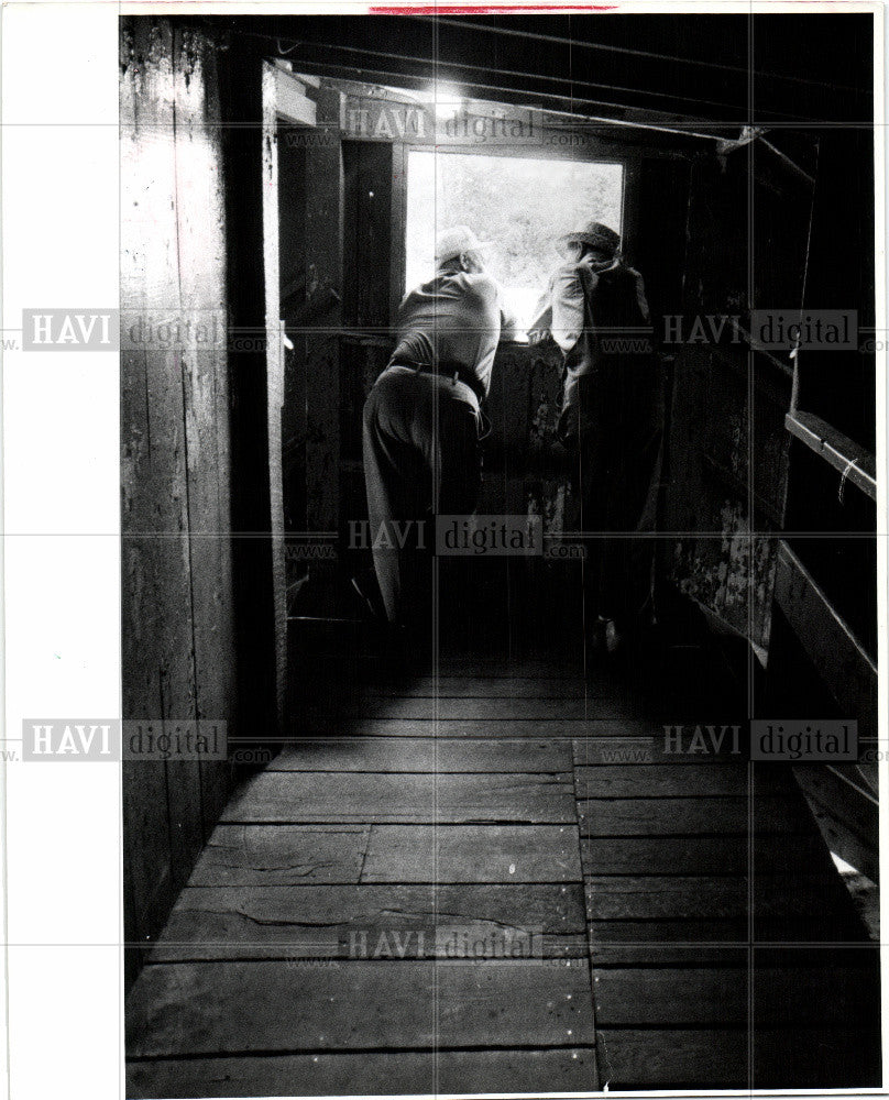 1985 Press Photo Cattle Auctions Stanton Sanilac Countr - Historic Images