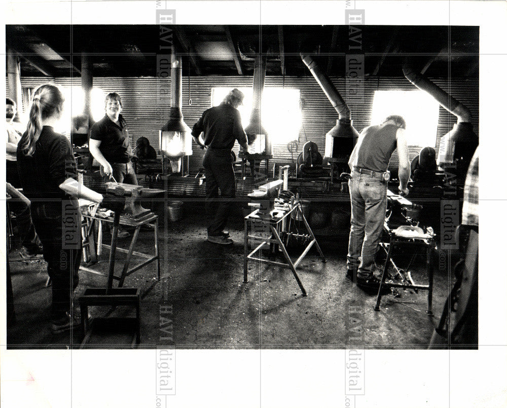 1987 Press Photo blacksmith students forges school - Historic Images