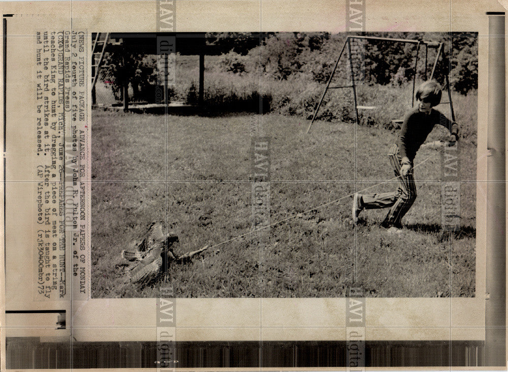 1973 Press Photo birds hawk King trainer - Historic Images