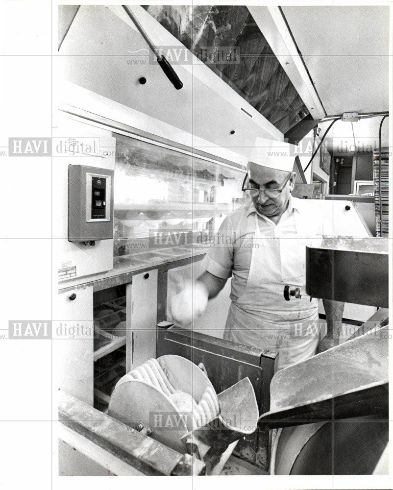 1979 Press Photo Russo's Bakery Bruno Demasi - Historic Images