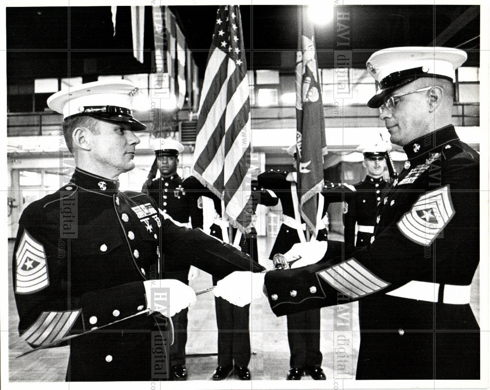 1980 Press Photo Guard, Major Ron E. Bell, recruiting - Historic Images