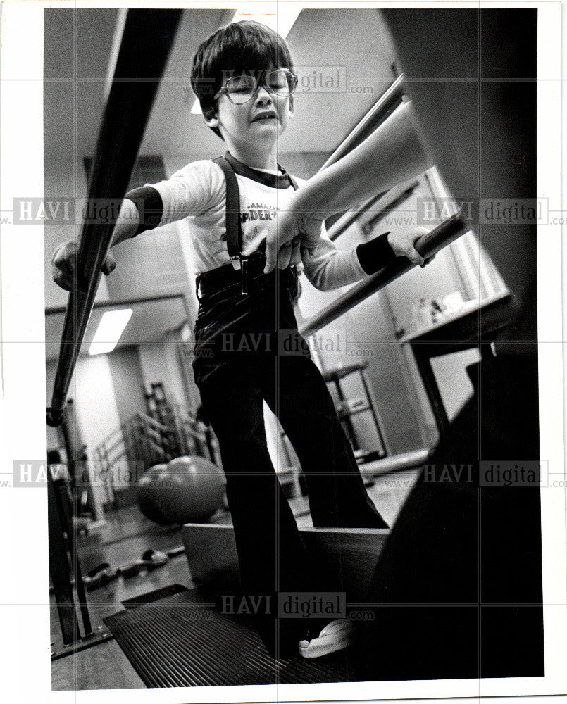 1980 Press Photo Childern Handicapped, Maxwell Mullins - Historic Images