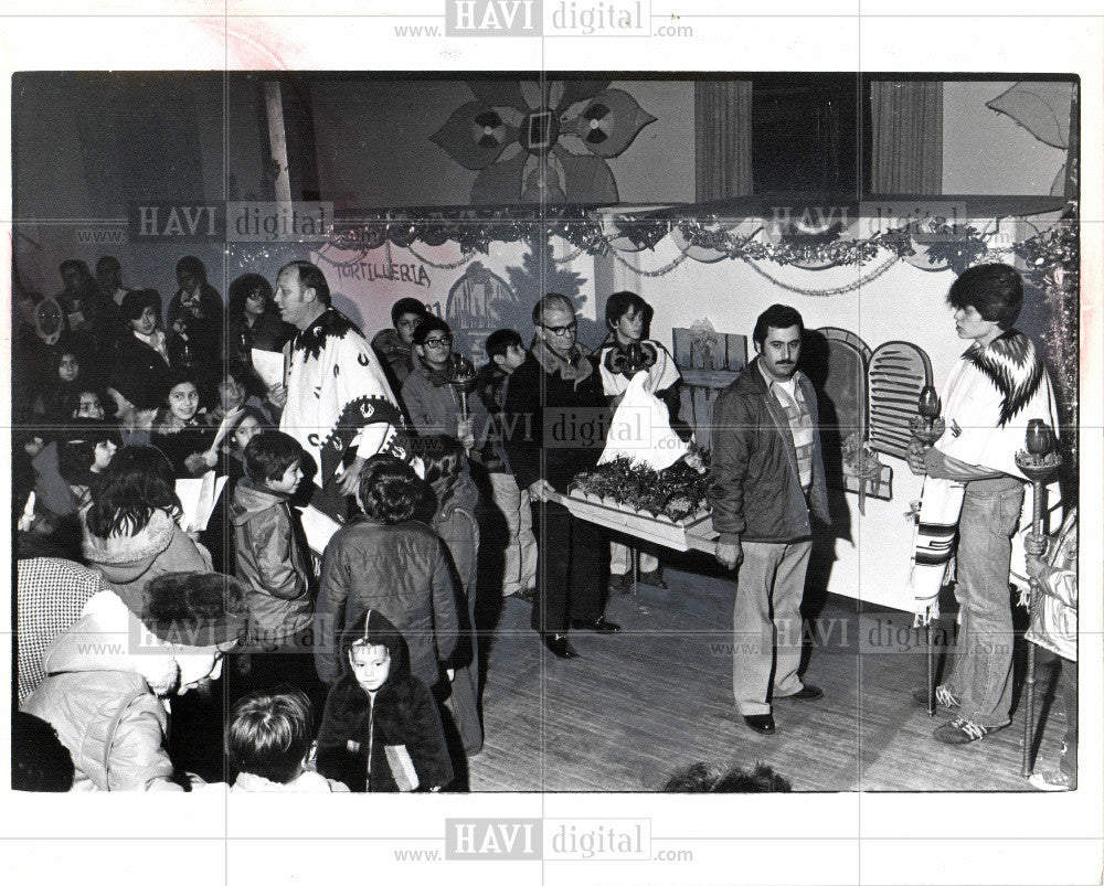 1978 Press Photo Posada procession st. anne hall - Historic Images