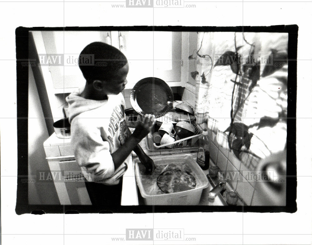 1992 Press Photo children - Historic Images