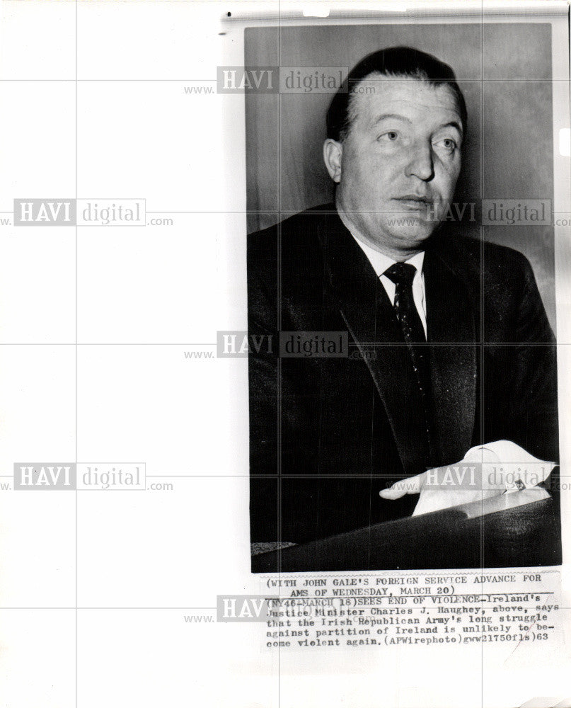 1963 Press Photo Justice Minister Charles J. Haughey - Historic Images