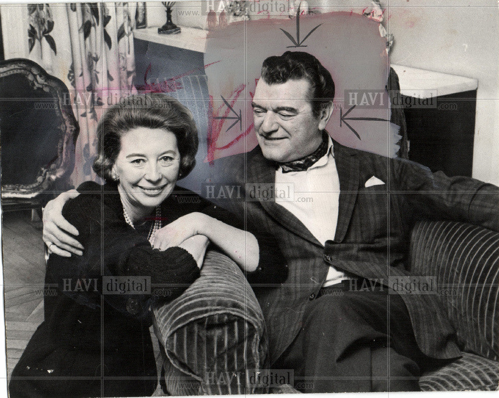 1966 Press Photo Jack Hawkins throat cancer - Historic Images