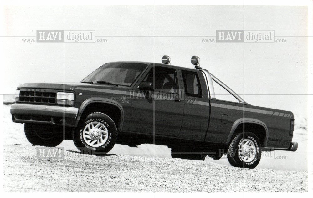 dodge dakota sport club 1991 vintage photo print historic images 1991 press photo dodge dakota sport club