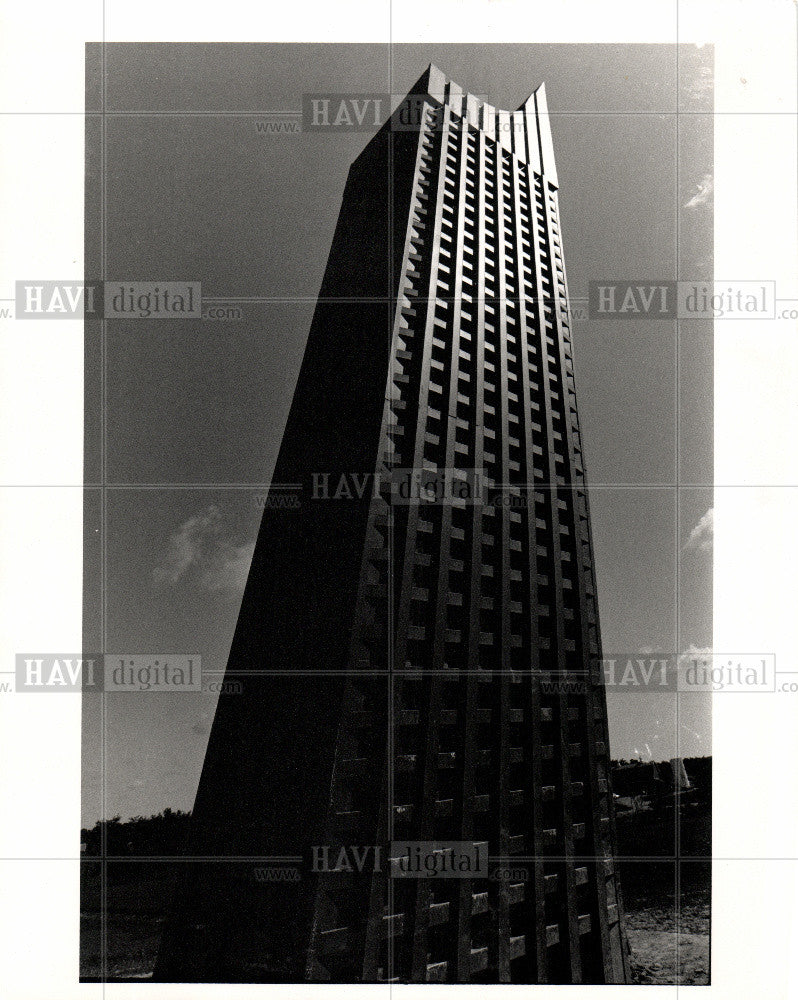 1989 Press Photo GUNNAR BIRKERTS & his TOWER OF PIXXA - Historic Images