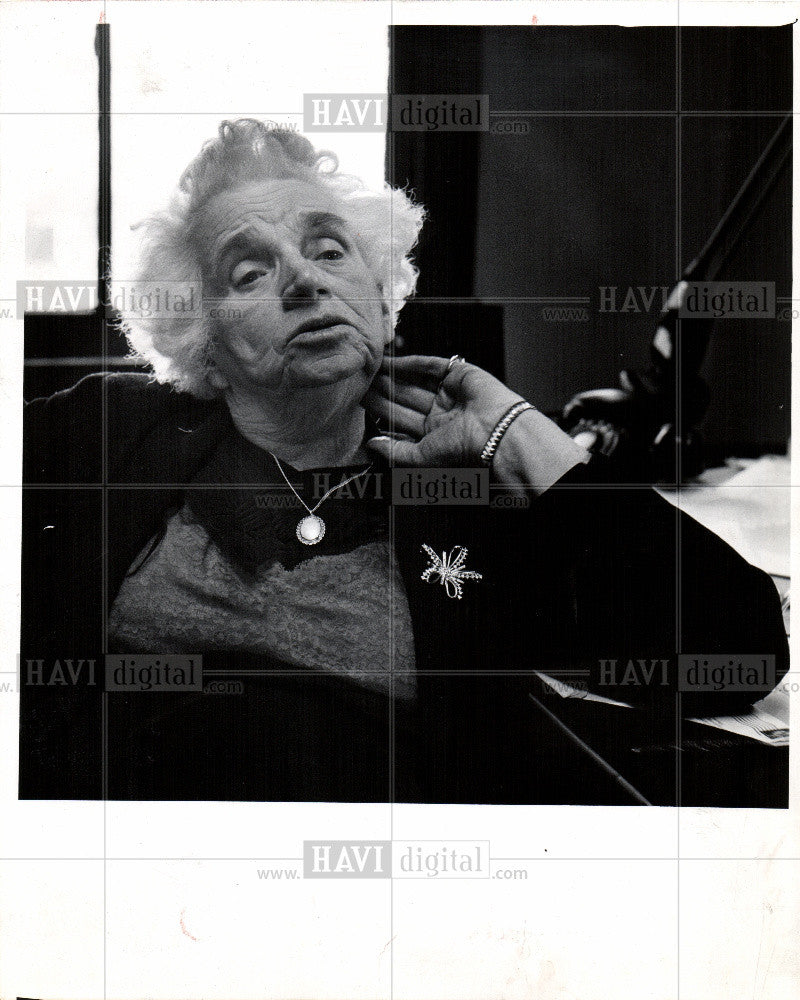 1986 Press Photo dr marie rasey - Historic Images