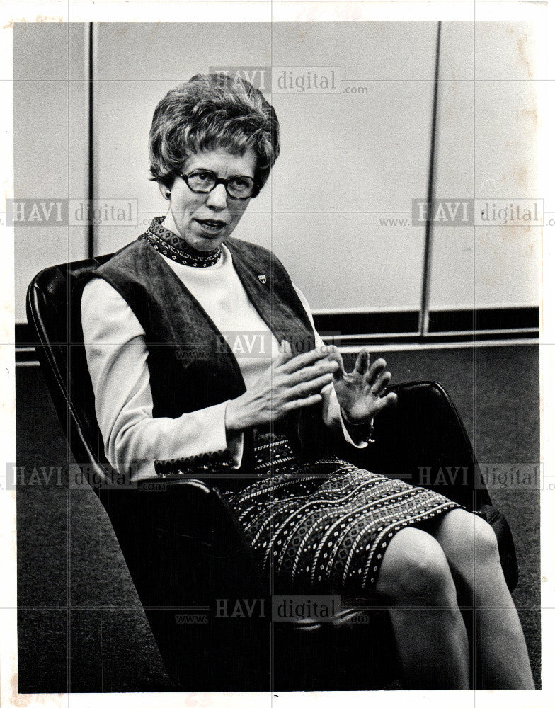 1975 Press Photo Mary Ellen Riordan President Detroit - Historic Images