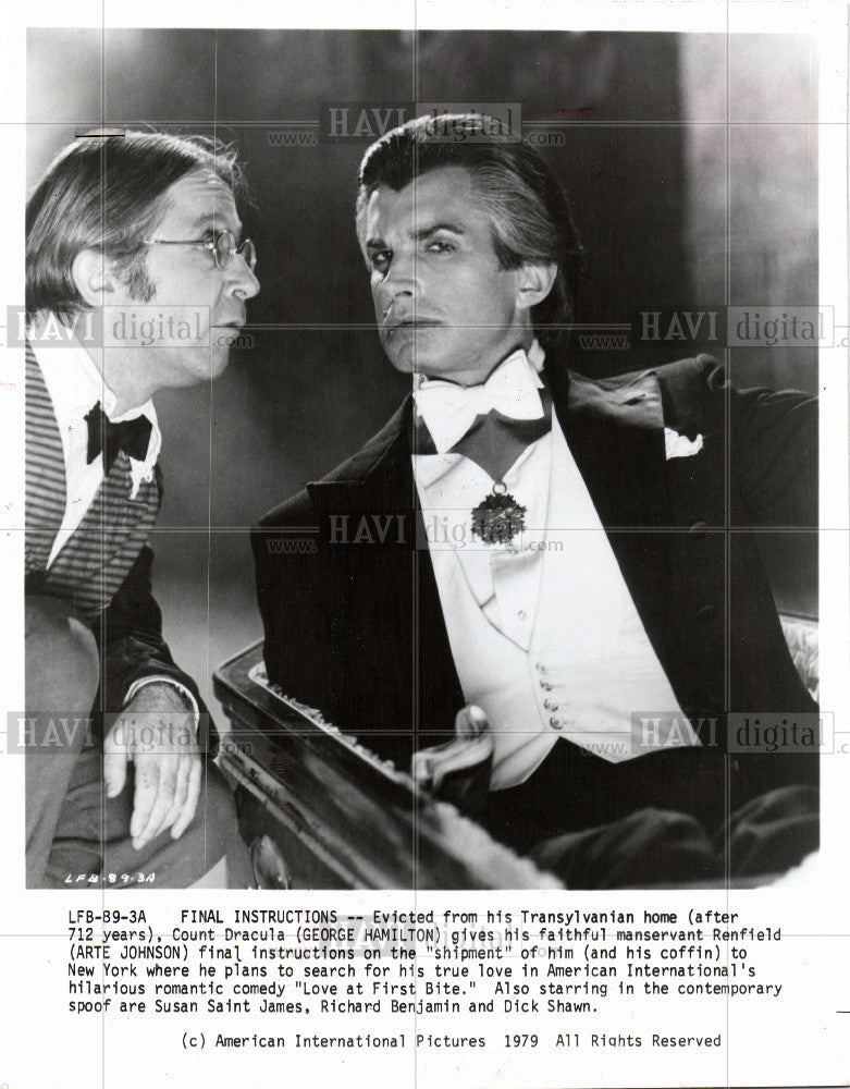 1989 Press Photo George Hamilton Count Dracula - Historic Images
