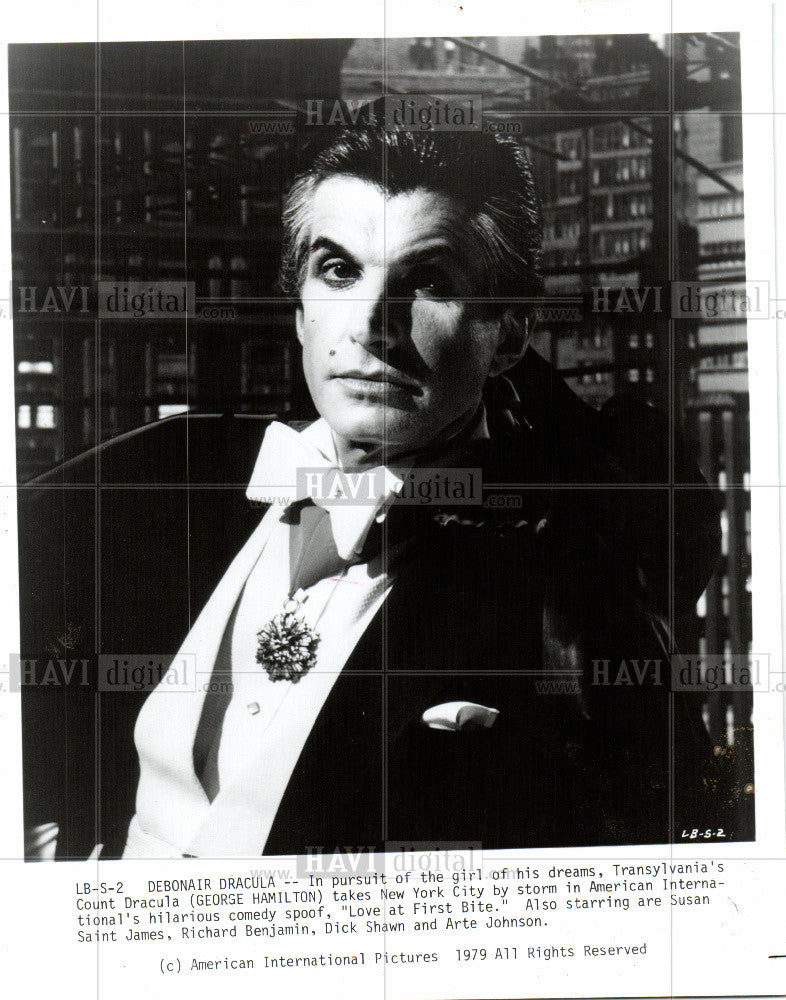 1981 Press Photo George Hamilton actor Love First Bite - Historic Images