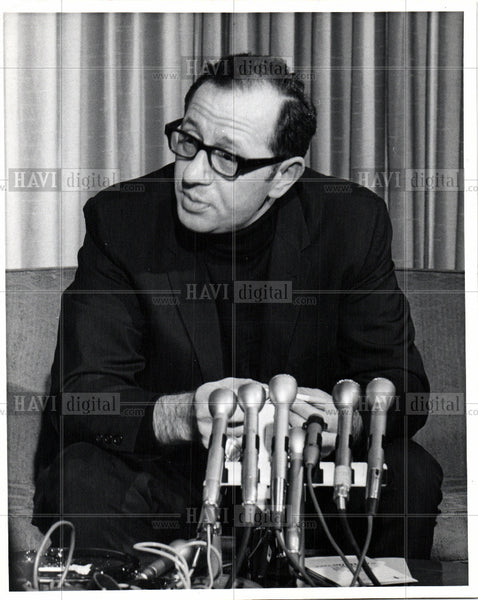 1969 Press Photo Father Groppi civil rights activist - Historic Images