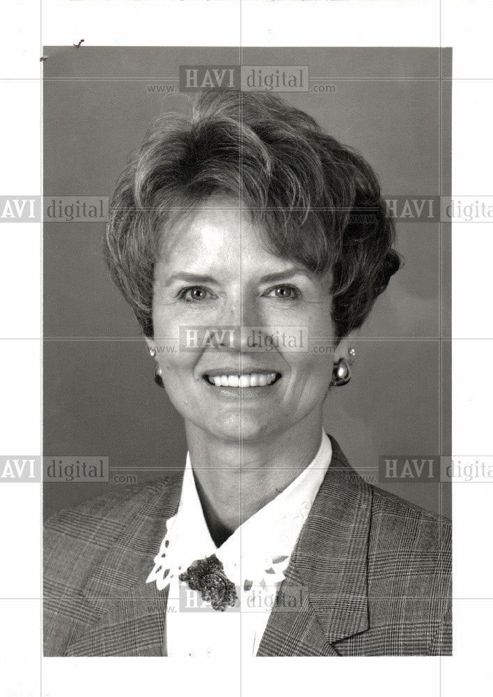 1992 Press Photo Charlene Hansen Manager Marketing - Historic Images
