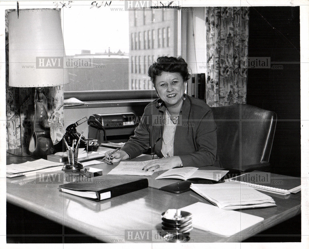 Press Photo Ruth Stevens - Historic Images