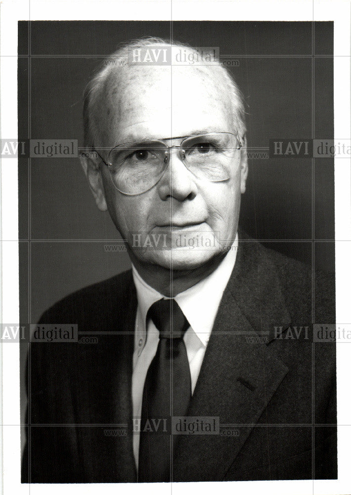 1982 Press Photo Robert W.Stewart - Historic Images