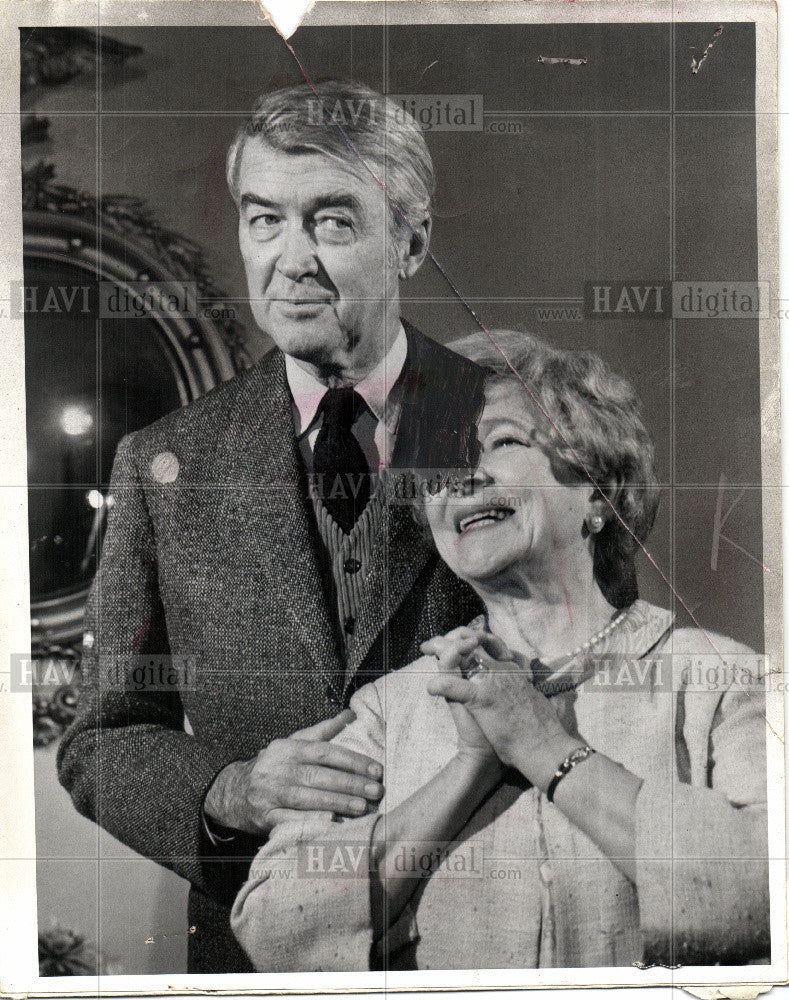 1970 Press Photo James Stewart Helen Hayes Harvey - Historic Images