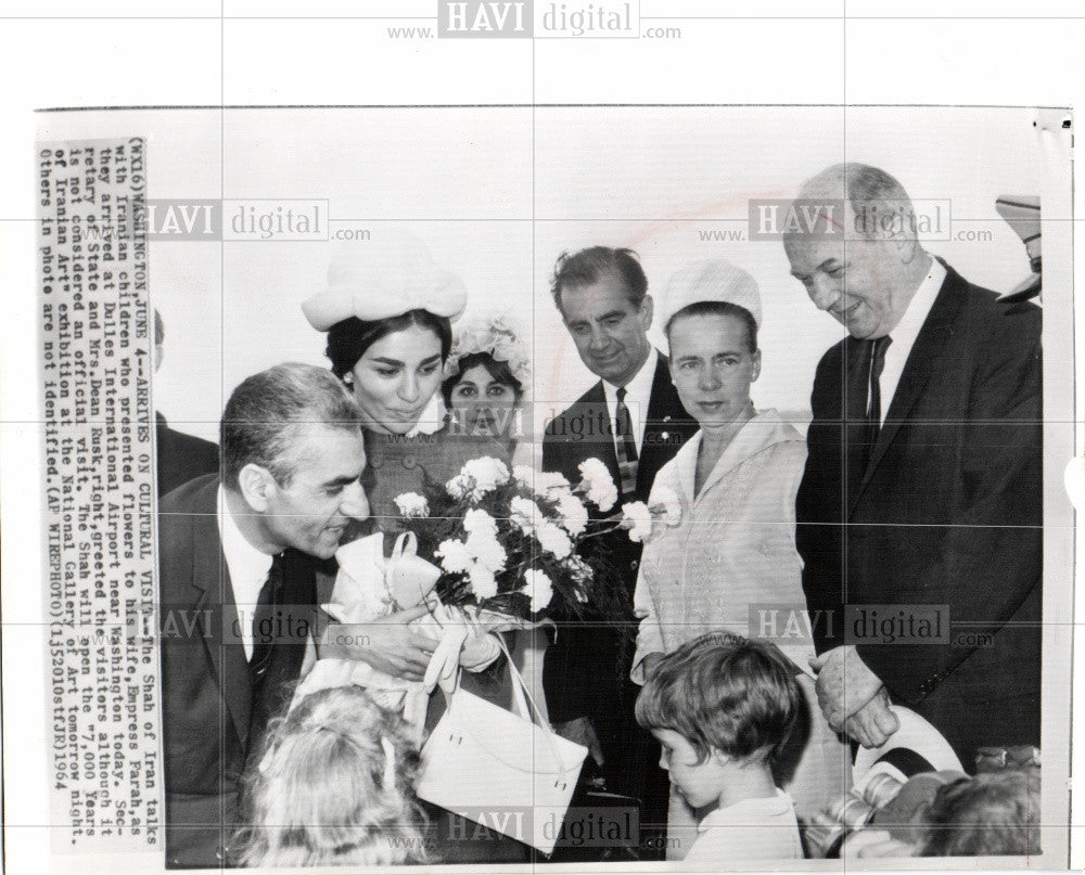 1954 Press Photo Shah of Iran Farah Washington children - Historic Images