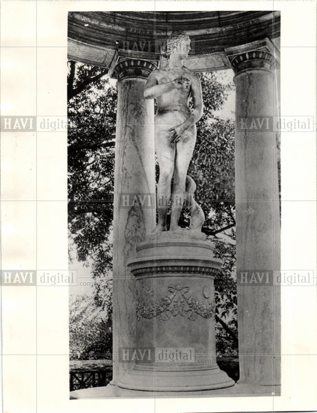 1937 Press Photo John Rockefeller Aphrodite statue - Historic Images