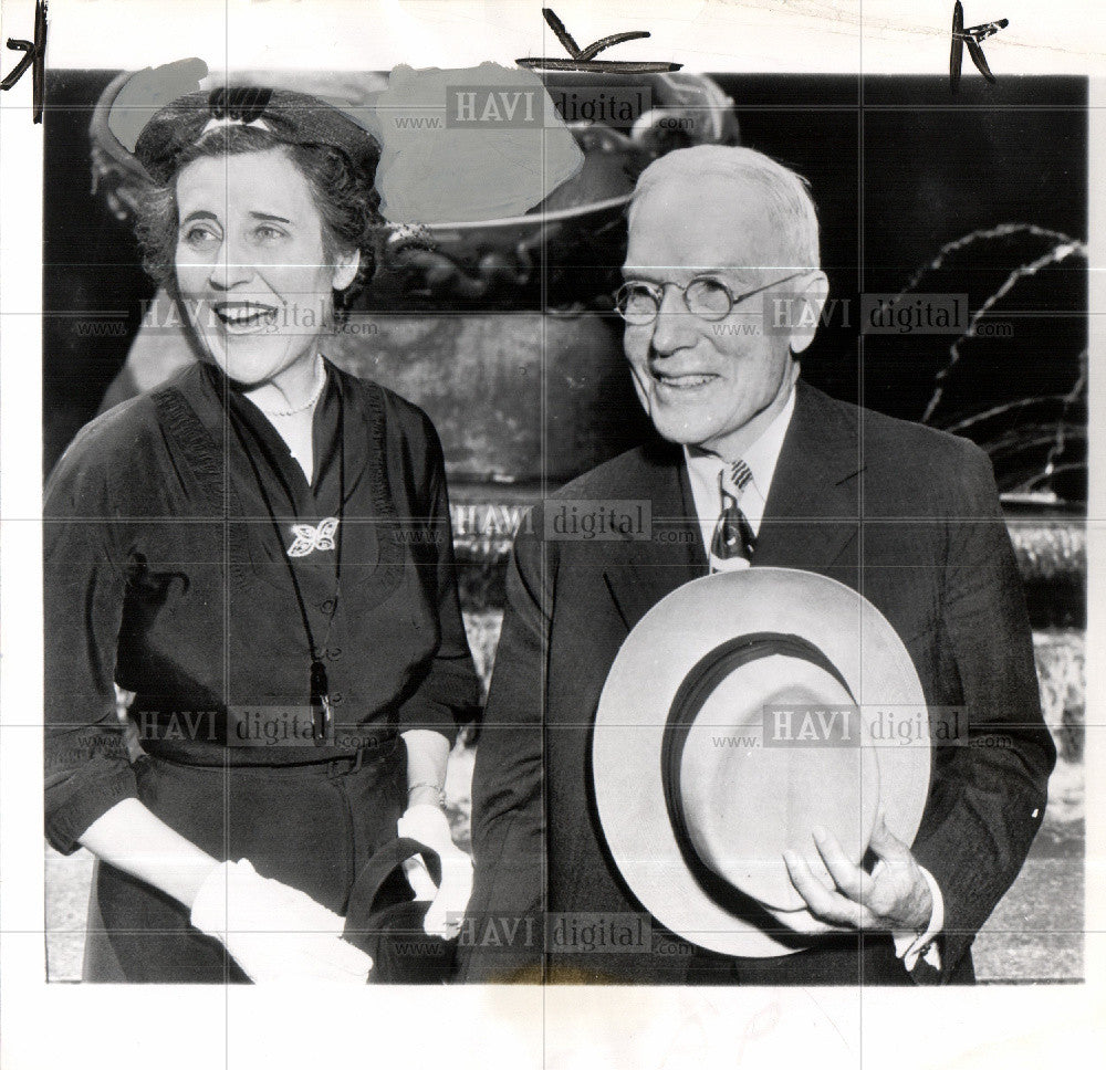 1951 Press Photo John D. Rockefeller Jr. Martha Allen - Historic Images