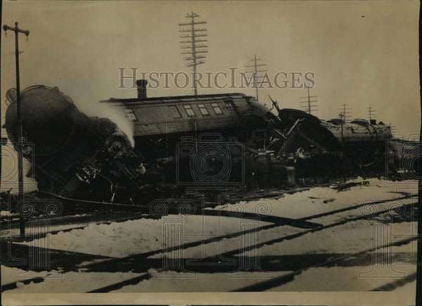 1931 Press Photo Tangle at the Camp Douglas junction train derailment - Historic Images