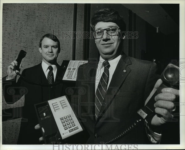 1983 Press Photo Richard C. Notebaert and Robert L. Wolters - mja12990 - Historic Images