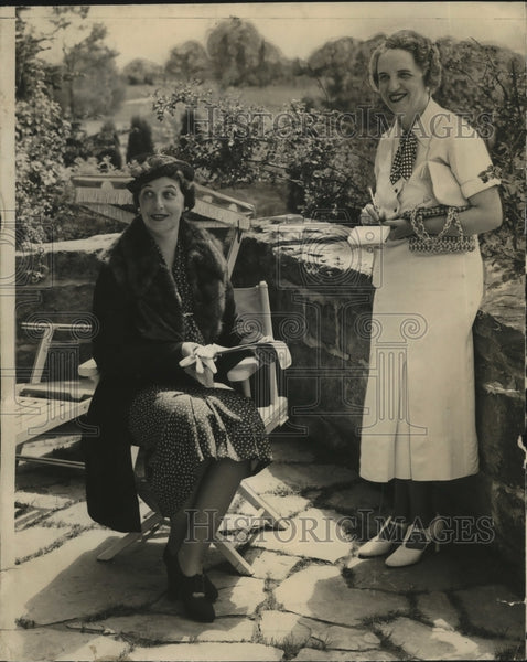 1936 Press Photo Mrs. Joseph McGrath & Mrs. Harold Holbrook at Tree garden club - Historic Images