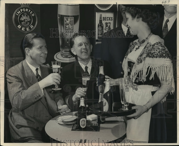 1951 Press Photo Ludwig Mayer of the Fresno Wine Co throwing a German beer party - Historic Images