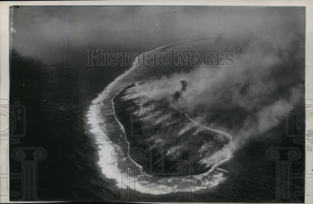 1947 Press Photo Aerial view of Eniwetok, Marshall Islands - mja94091 - Historic Images