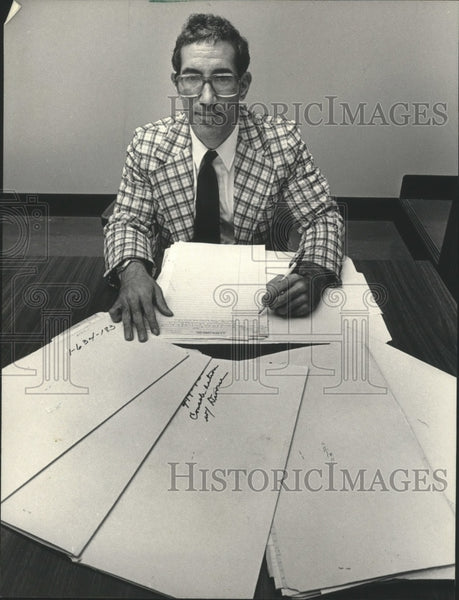 1984 Press Photo Milwaukee Assistant District Attorney Alan E. Love - Historic Images