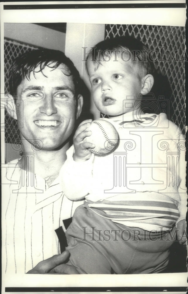 1973 Press Photo Gregg Peterson with Father Yankee Pitcher Fritz Peterson - Historic Images