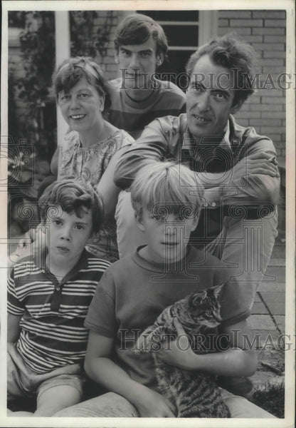 1967 Press Photo Otto Werner Mueller and family visited Spring City, Wisconsin - Historic Images