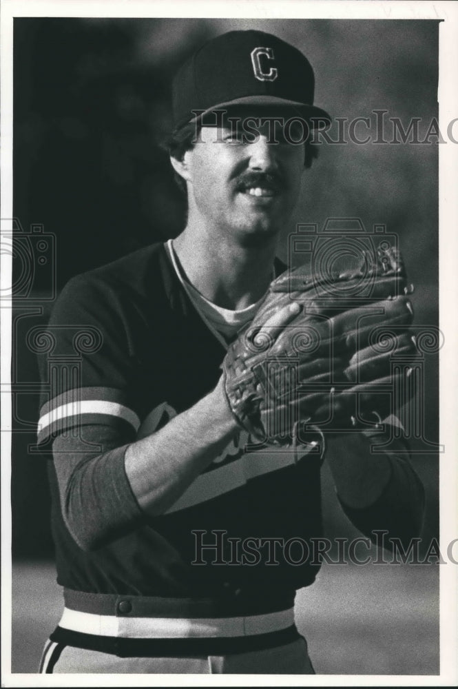 1988 Press Photo Tom Moeschberger, Cardinals pitcher ready to pitch, Wisconsin. - Historic Images