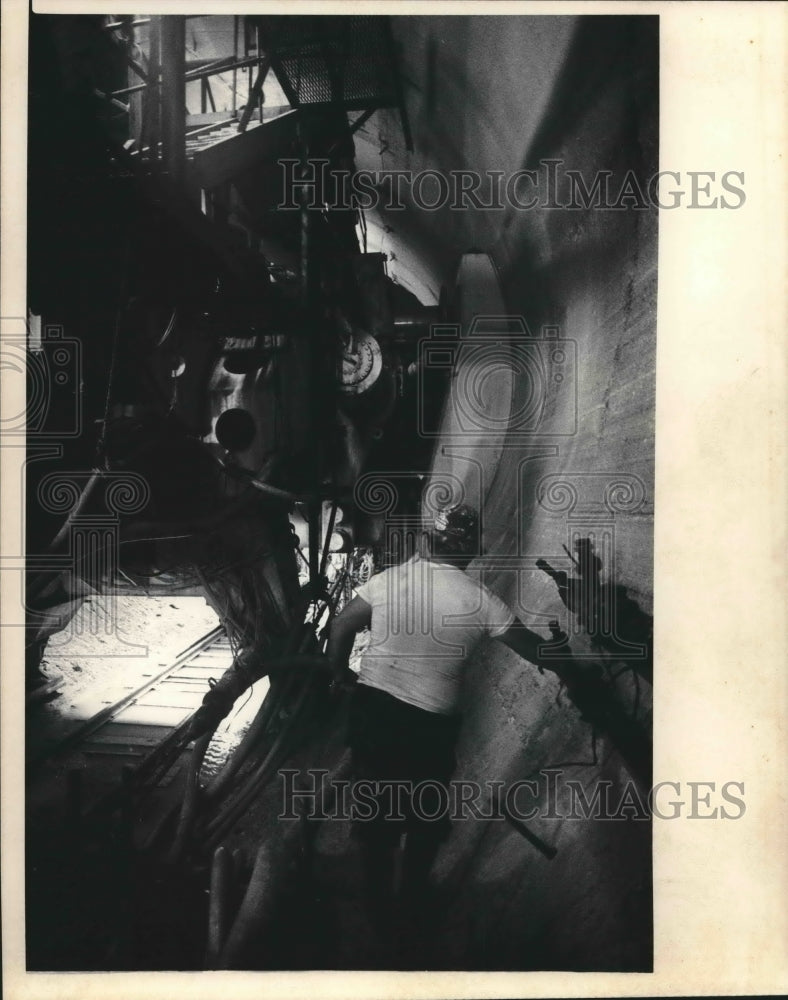 1986 Press Photo Milwaukee sewer tunnel - mjb52422 - Historic Images