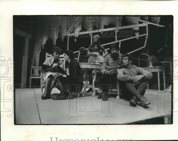 "1972 Press Photo The Theatre Alverno cast of the play ""The Skin of Our Teeth"" - Historic Images"