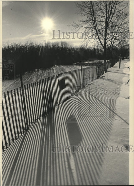 1985 Press Photo Whitefish Road Park sledding hill in Port Washington, Wisconsin - Historic Images