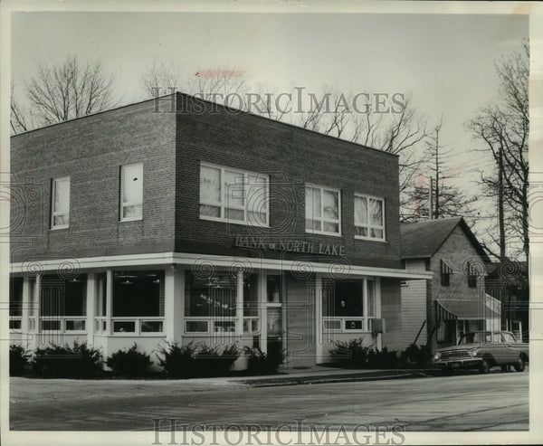 1965 Press Photo The Bank of North Lake, Wisconsin, said to be holdup proof - Historic Images