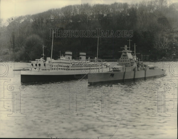 1951 Press Photo Model boats of the Graf Spee and Asturias in England - Historic Images